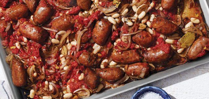 Salsicha com Feijao Branco e Tomate